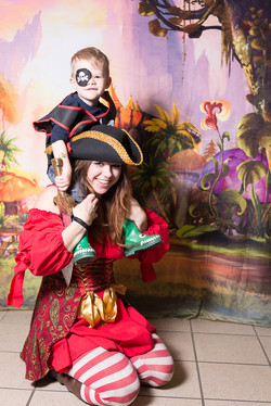 Pirate character appearance from Earth Fairy Entertainment, adventure club, childrens activities, pa