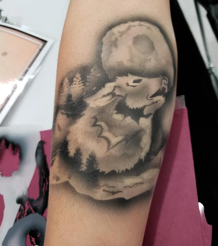 Airbrush Wolf Tattoos