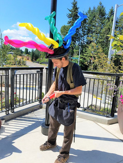 Balloon Animals with Earth Fairy Entertainment in Portland Oregon, professional corporate entertaine