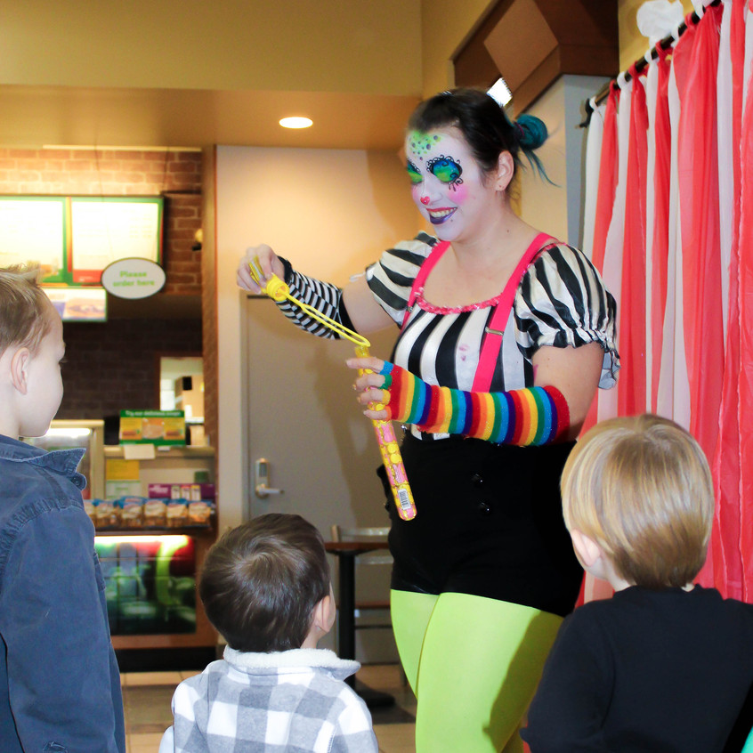 Clown with Earth Fairy Entertainment in Portland Oregon, professional coporate entertainer, Hillsboro, Vancouver, staged show.