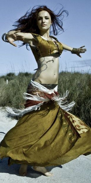 Belly dancer with Earth Fairy Entertainm