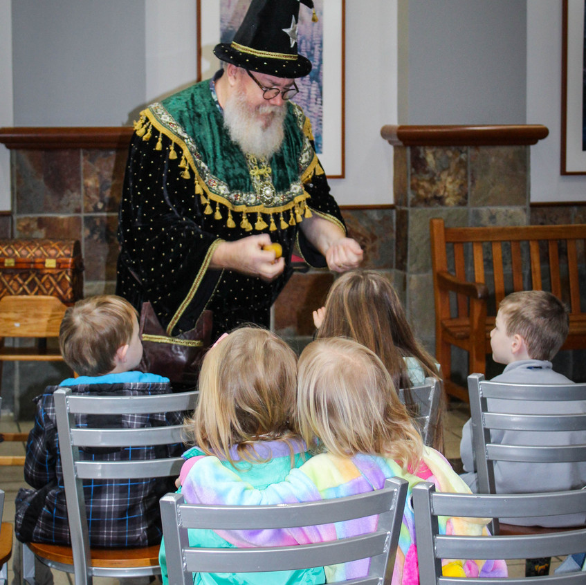 Magician and staged show in Portland Ore