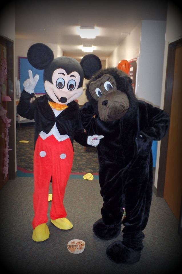 Mouse look alike costume characater from