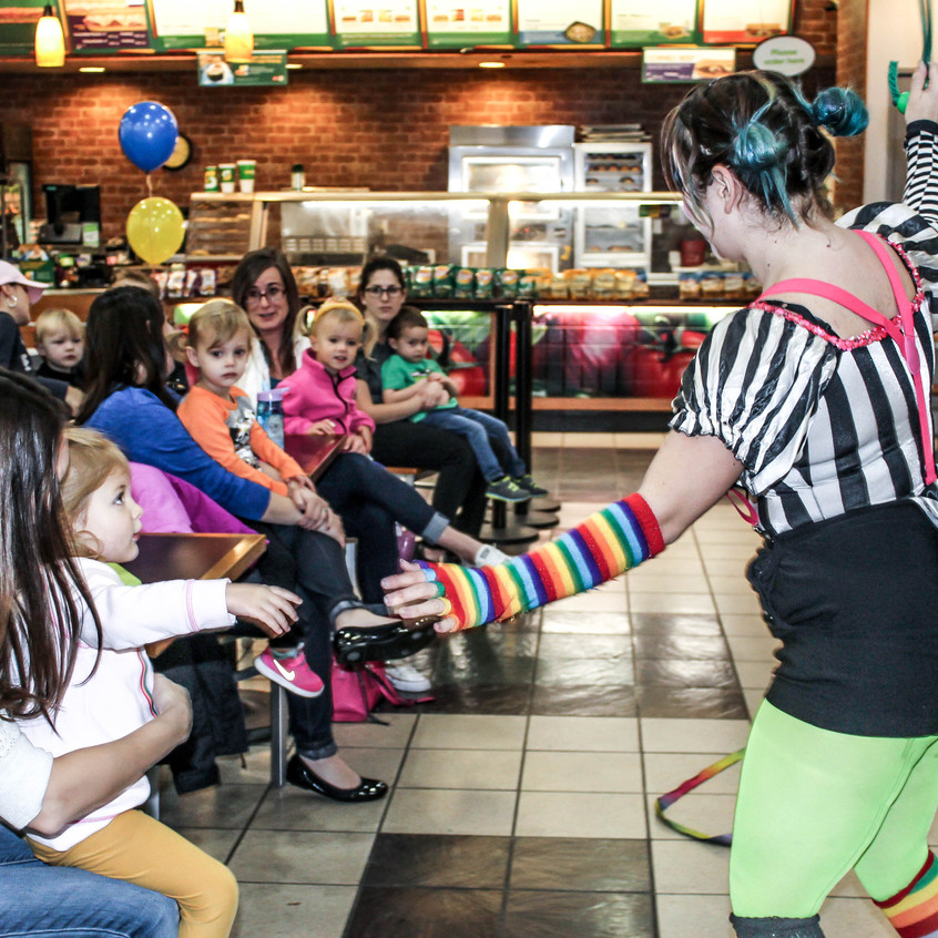 Clown with Earth Fairy Entertainment in Portland Oregon, professional coporate entertainer, birthday party, kids staged show
