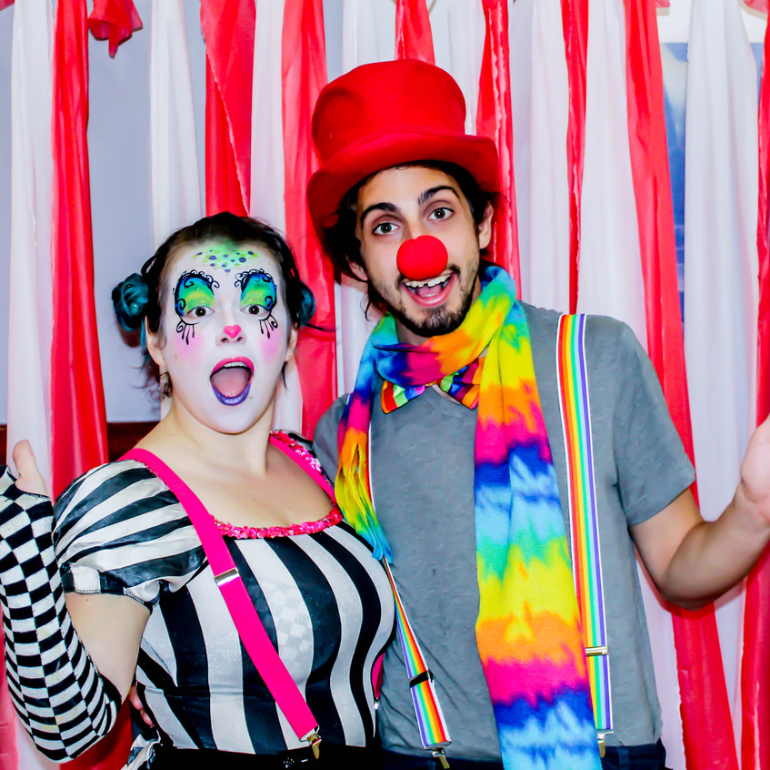 Balloon Twister and Clown with Earth Fairy Entertainment in Portland Oregon, professional coporate entertainer, birthday party, kids staged show