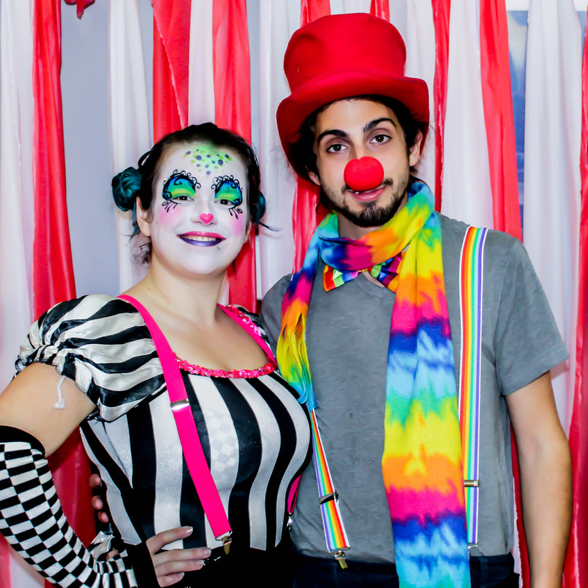 Balloon Twisting Clown with Earth Fairy Entertainment in Portland Oregon, professional coporate entertainer, birthday party, kids staged show