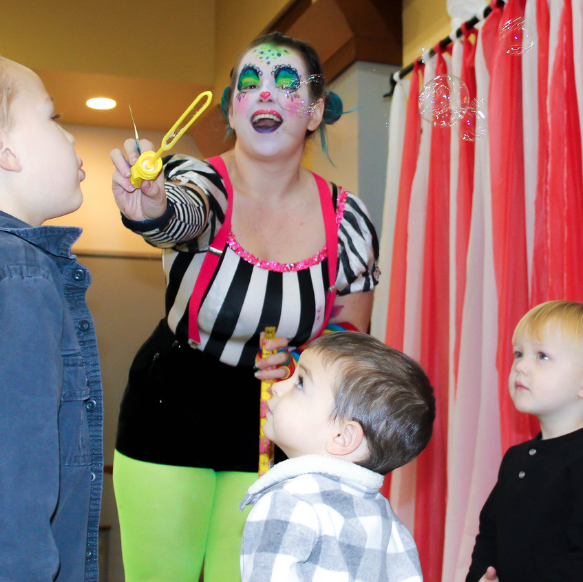 Clown with Earth Fairy Entertainment in Portland Oregon, professional coporate entertainer, Beaverton, Vancouver, staged show