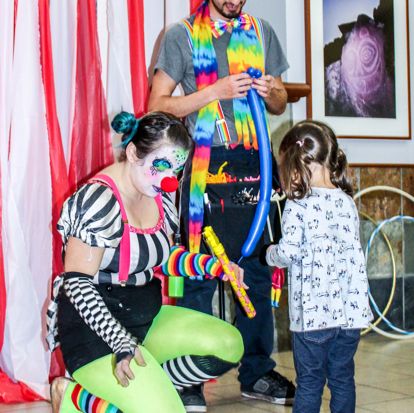Clown with Earth Fairy Entertainment in Portland Oregon, professional coporate entertainer, birthday party, kids staged show, Mmilwaukie