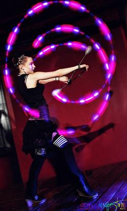 Earth Fairy Entertainment, Portland Oregon circus fire led performer, entertaine