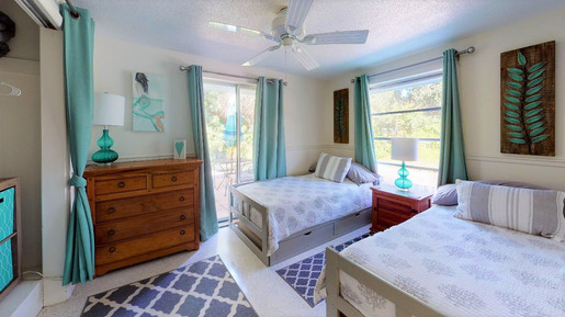 Beautiful-Home-on-Manasota-Key-Bedroom(2