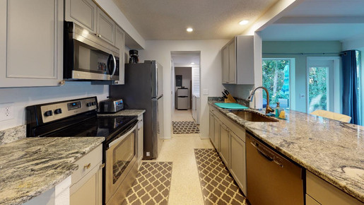 Beautiful-Home-on-Manasota-Key-Kitchen.j