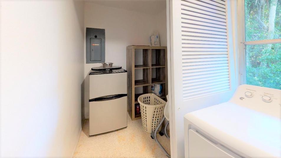 Beautiful-Home-on-Manasota-Key-Laundry(1