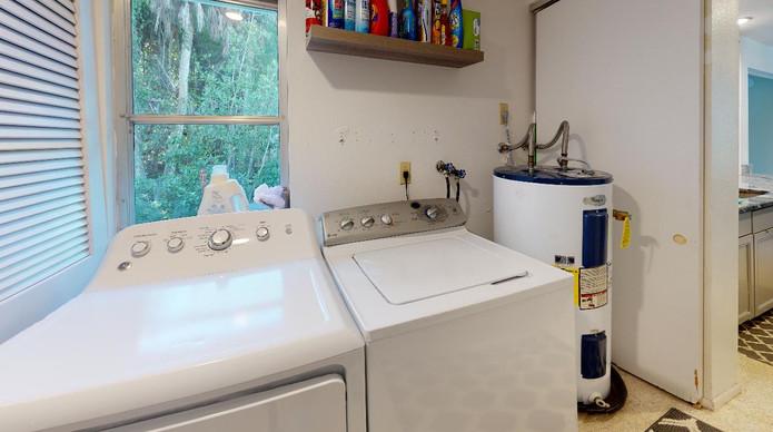 Beautiful-Home-on-Manasota-Key-Laundry.j