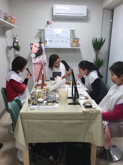 ツルダ化粧品店