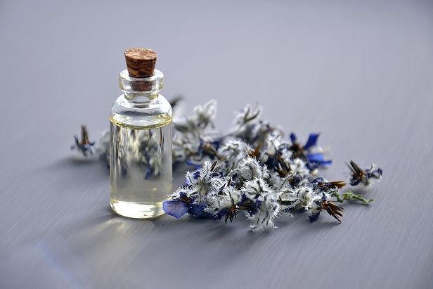 cosmetic-oil-3164684_960_720.jpg