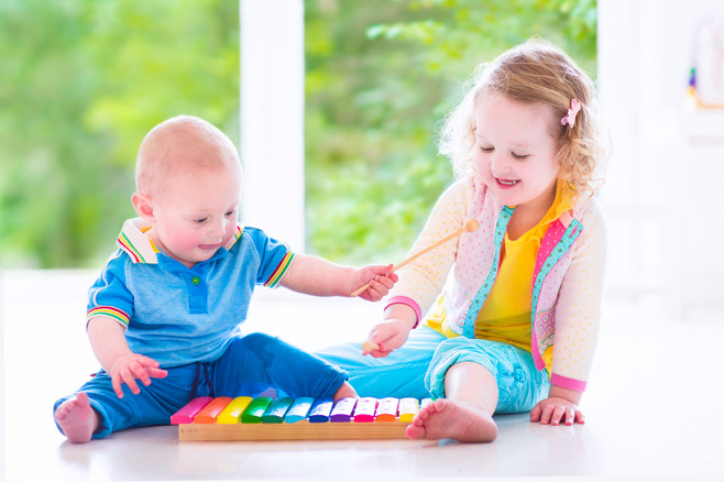 Children playing on xylophone.jpg