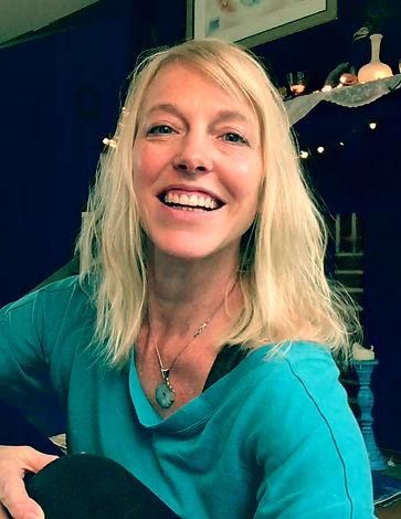 Meet Illumina Yoga founder and director, Johanna Bell