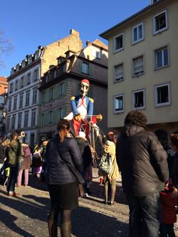 Caricature lors du défilé de carnaval à Strasbourg