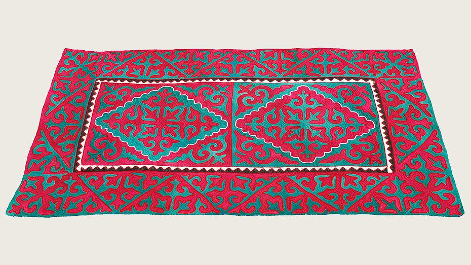 SEGISCH, 320 x 178 cm