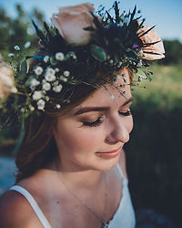 That Flower Crown 😍 Makes me just want