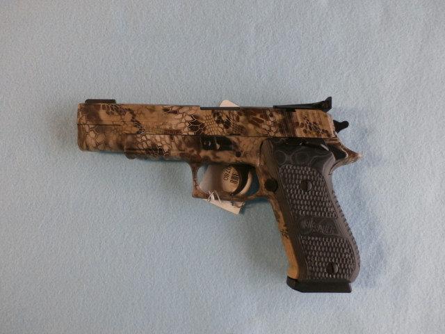 Sig Sauer    P220 Elite