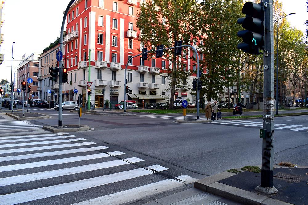 Авто, Милан, Жить в Италии