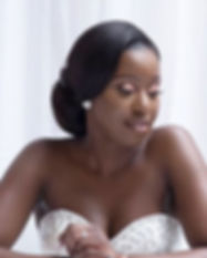 Simply a stunning bride!_._._._Simple go