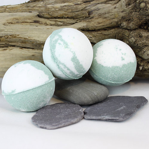 Tea Tree and Peppermint Bath Bomb (pack of 3)