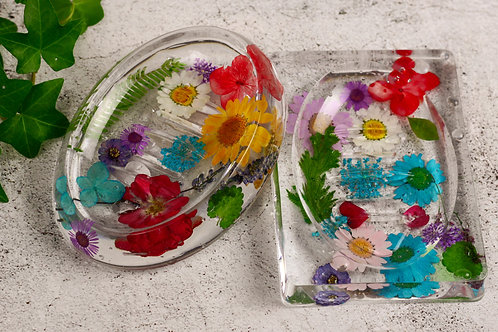 Spring flower soap dishes.