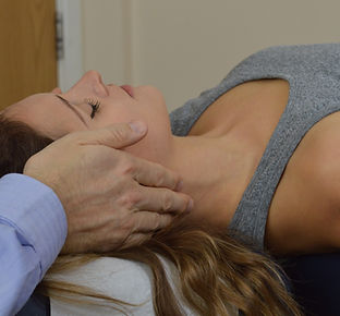 exeter chiropractor treating neck pain.j
