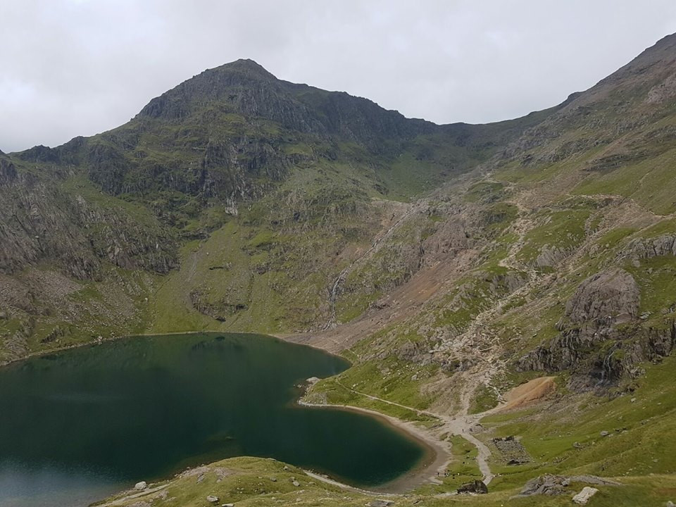 Snowdon Charity Hike I Lakeland Mountain Guides