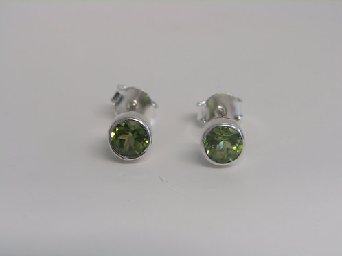 Sterling silver and peridot studs