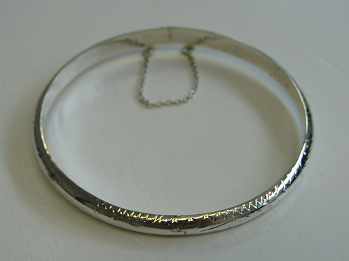 Sterling silver 5mm engraved bangle with safety chain