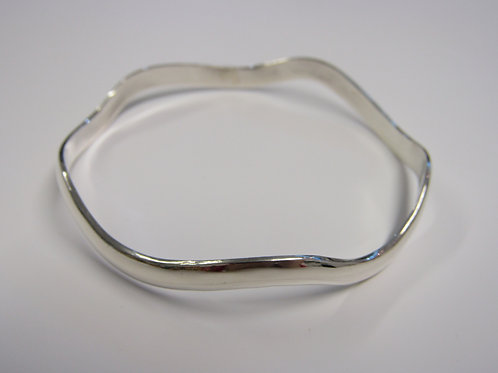 Sterling silver solid wave bangle