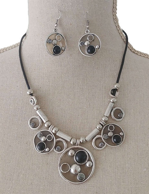 COLLIER N8