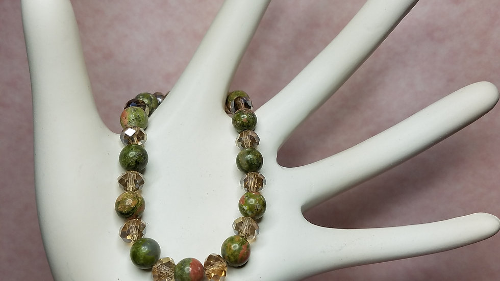 Green Stone Round Beads with Beige Rondelles