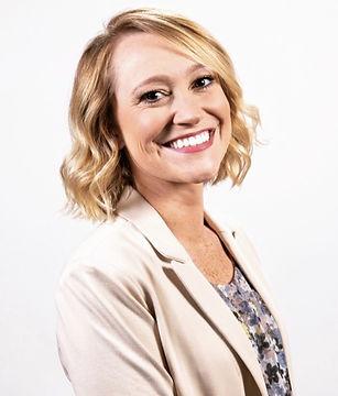 Lindsey headshot for website .jpg