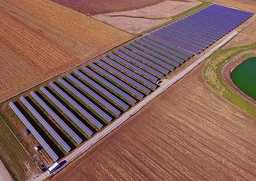 Farmers Electric - Kalona solar farm.jpg