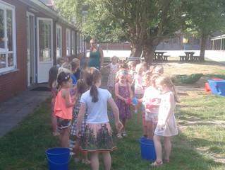 Waterpret bij de 4- 5-jarige kleuters
