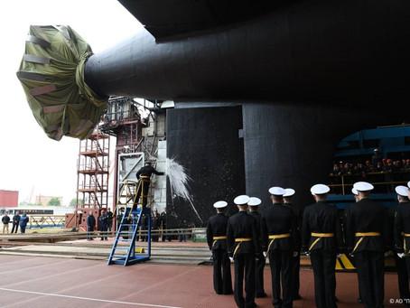 """ทัพเรือรัสเซียปล่อยเรือดำน้ำพลังงานนิวเคลียร์ชั้น Yasen-M """"คราสโนยาร์สค์"""" ในโครงการ 885M"""