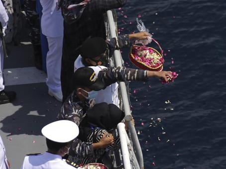 สิ้นสุดภารกิจ อินโดนีเซียยุติการกู้ซาก เรือดำน้ำ KRI Nanggala ที่หายไป