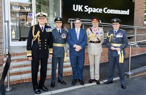 กองทัพอังกฤษเปิดตัวศูนย์บัญชาการ เหล่าทัพอวกาศ พร้อมกับเครื่องหมายสังกัด
