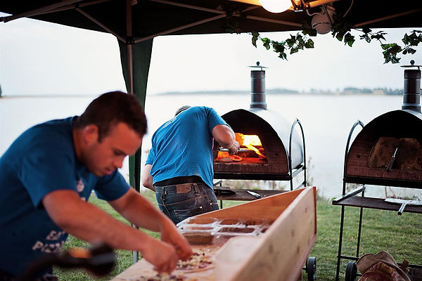 Pizza-catering-for-parties-and-special-o