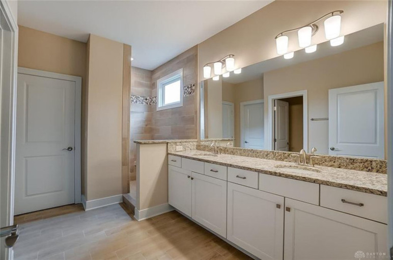 Dungan Custom Homes - Large Master Bath with Open Walk In Shower