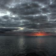 5065-mer-calme-ciel-gris-WallFizz.jpg