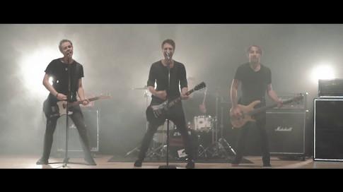 Vypuštěné Koupaliště - Optimista (Oficiální videoklip 2017)