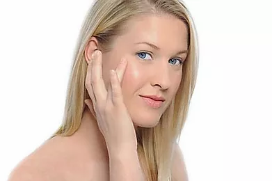 Ask an Expert: What Is Non-Invasive Skincare?