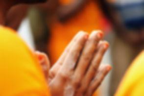 modlí