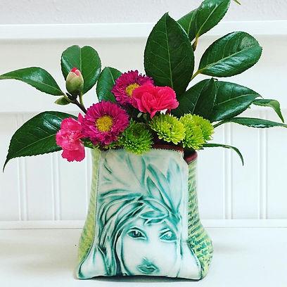 1_art nouveau vase.jpg
