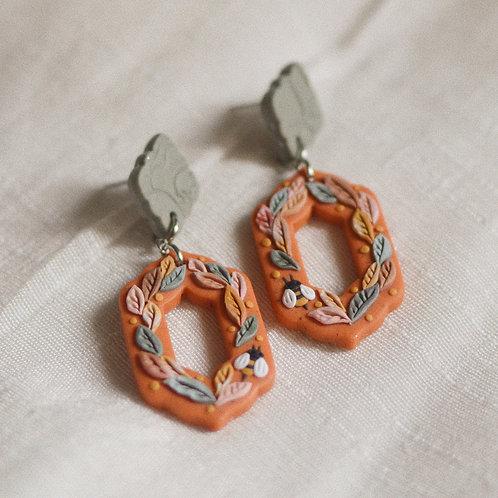 Bee Friends Dangly Earrings (Speckled Pumpkin Orange)